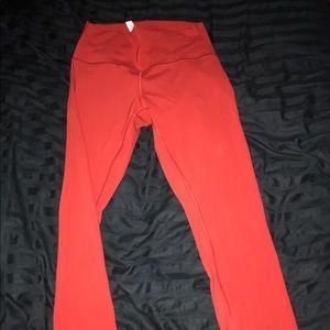 Lululemon leggings in color R8